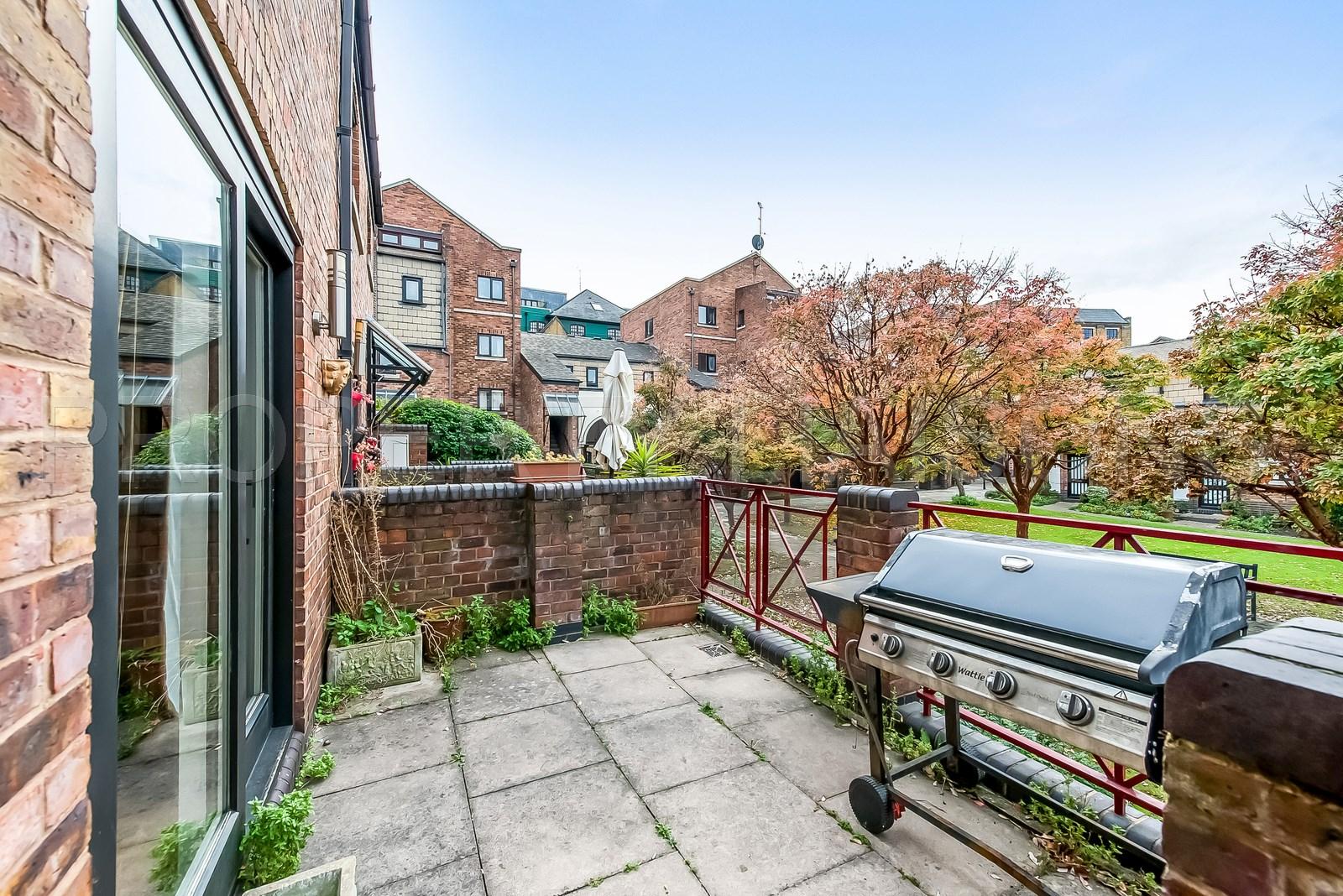 Prospect Place  London  E1W
