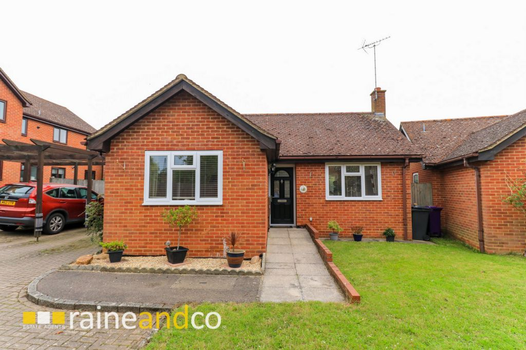 Winch Close  Codicote  Hitchin  SG4
