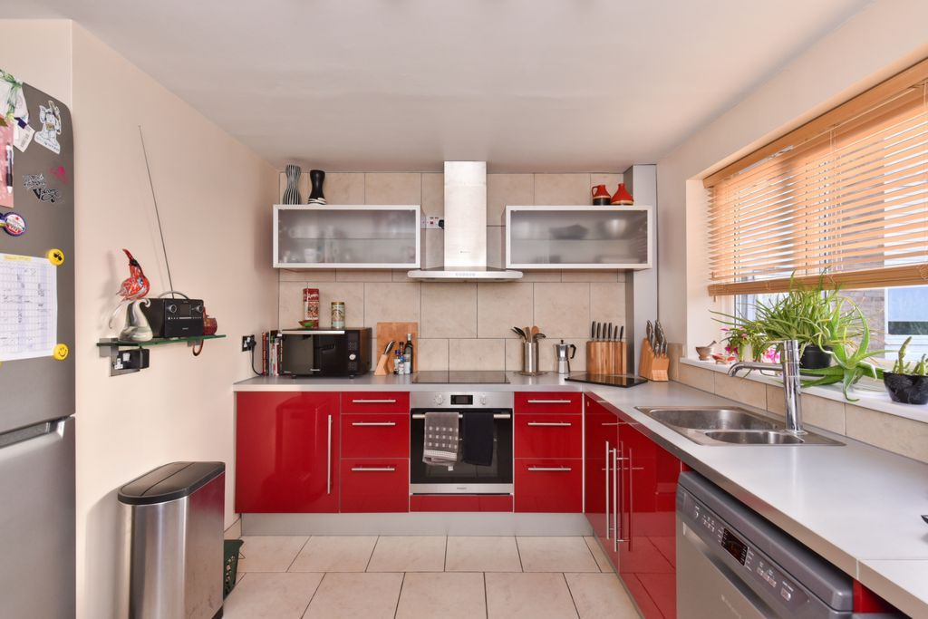 Property For Sale Stapleton Close Potters Bar En6 2