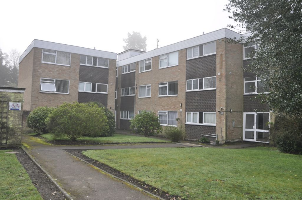 Heathfield Close  Potters Bar  EN6