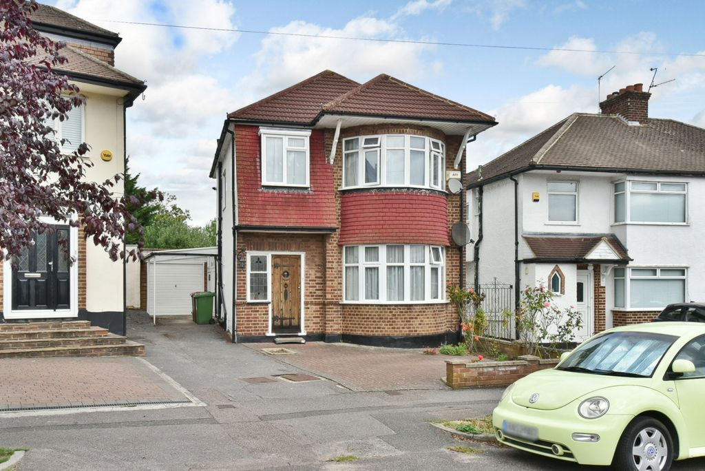 Allandale Crescent  Potters Bar  EN6