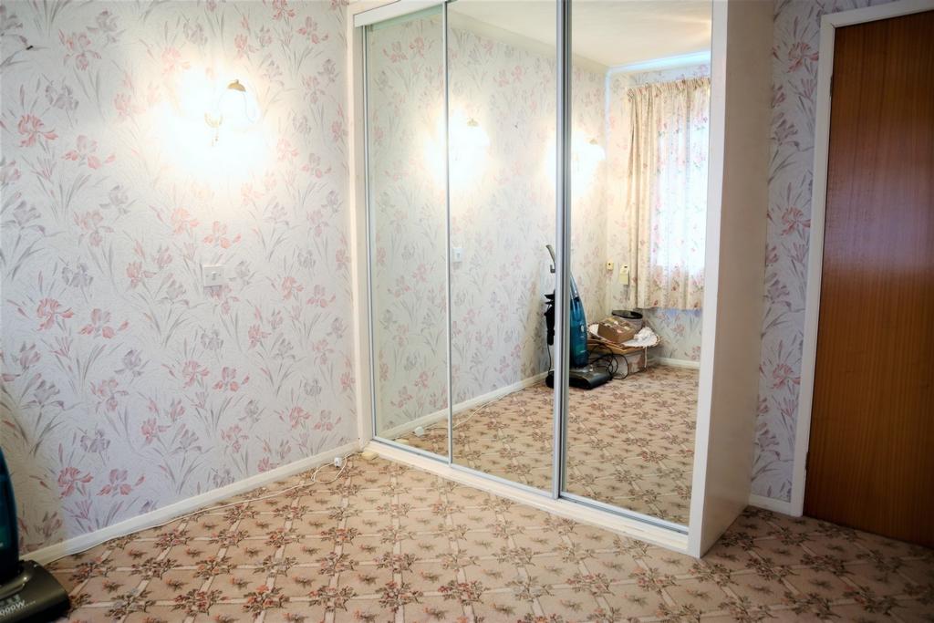 Bedroom 2 (Front)