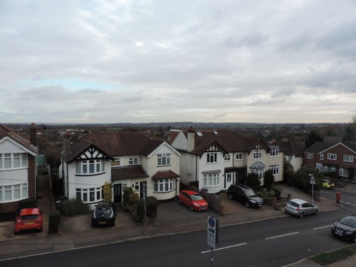 Photo 4, Goldings Road, Loughton, IG10