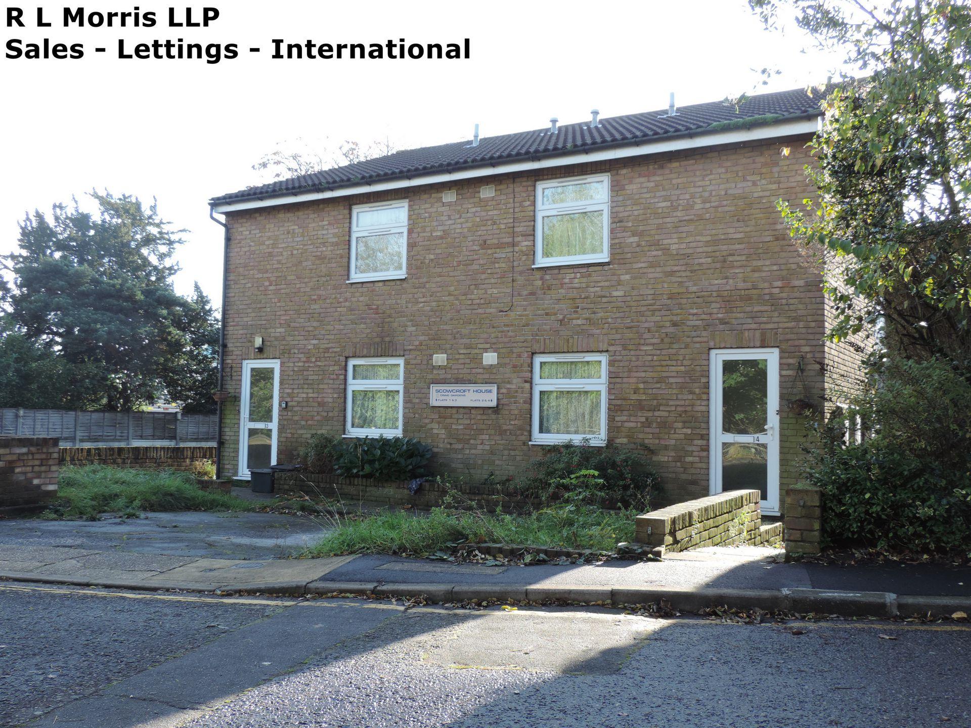 Craig Gardens  South Woodford  E18