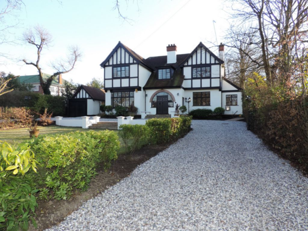 Photo 1, Manor Road, Chigwell, IG7