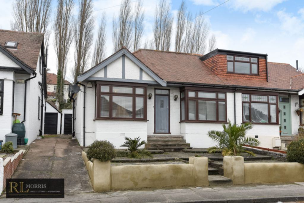 Roding Lane North  Woodford Green  IG8