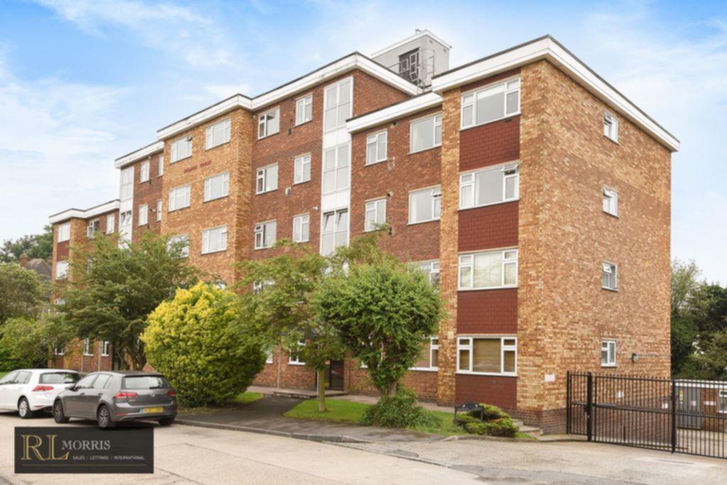 Durham Avenue  Woodford Green  IG8