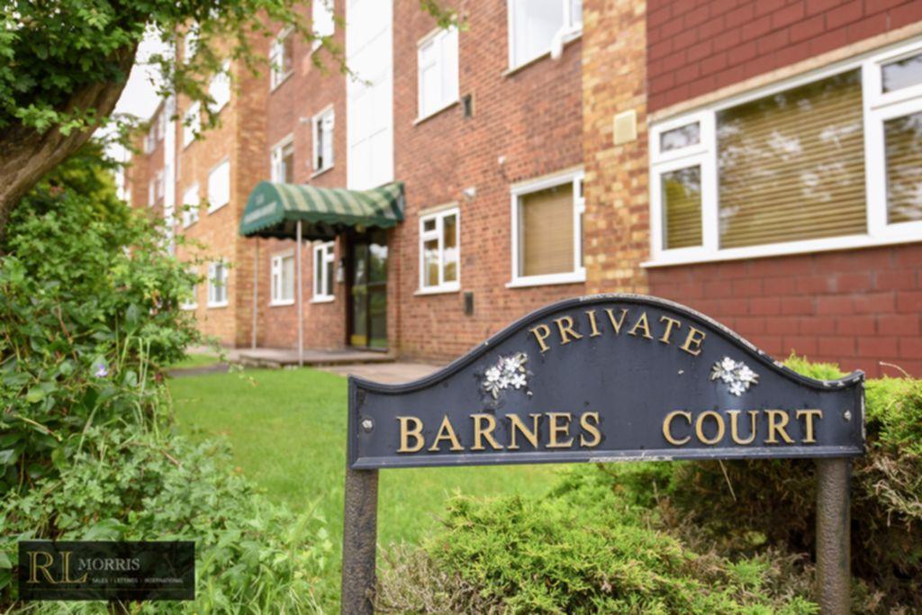 Durham Avenue  Woodford Green  IG8