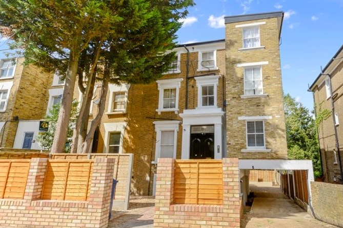 5 Mount Avenue  Ealing  W5