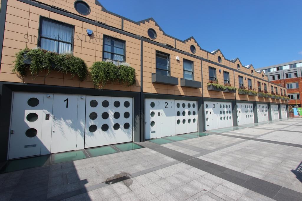 Holinser Terrace  Ealing  W5