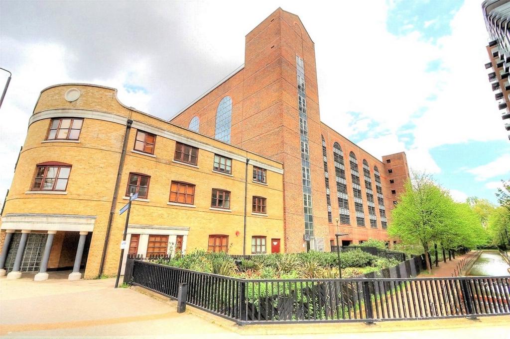 Kingsley Mews  Wapping Lane  London  E1W