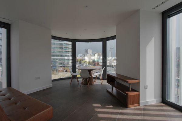 Photo 7, Chronicle Tower, City Road, EC1V