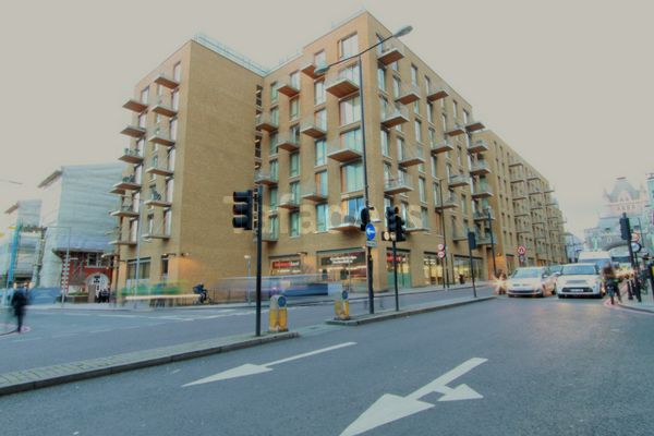 Duchess Walk  London  SE1