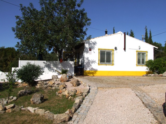 V0163 - 3 Bedroom House With Pool  Santa Catarina  Tavira  Portugal