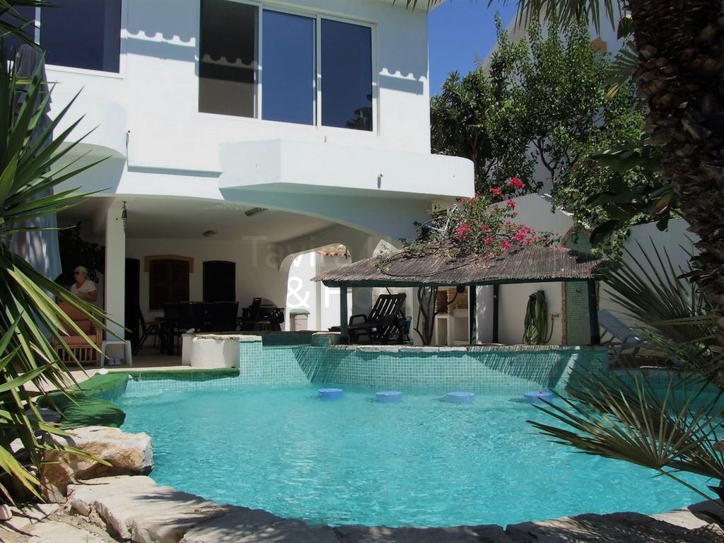 V0492 - 3 Bedroom Villa with Pool  Tavira  Portugal