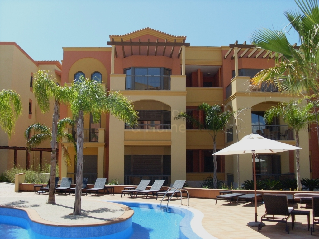 A0521 - 3 Bedroom Apartment Overlooking Pool  Vilamoura  Portugal