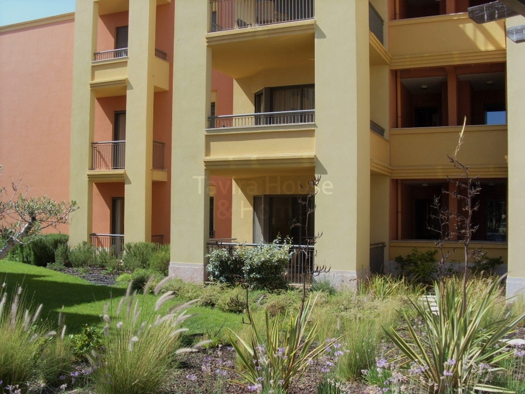 A0563 - 2 Bedroom Apartment With Pool  Vilamoura  Portugal