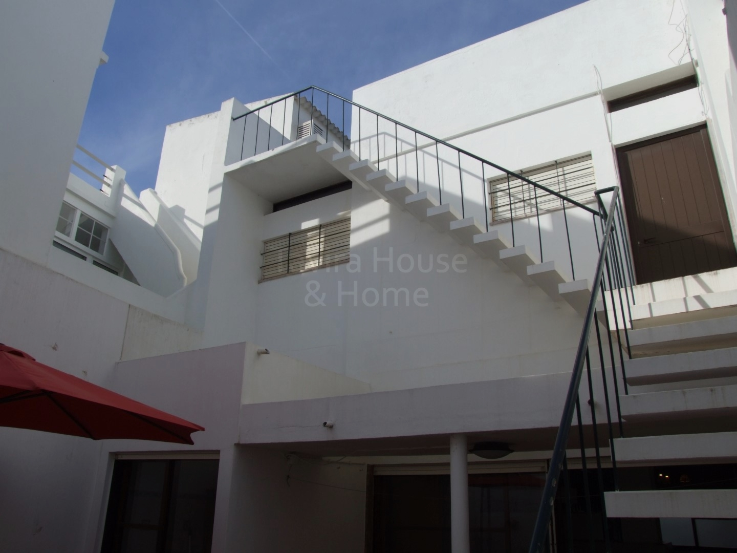 V0574 - 4 Bedroom Townhouse with Roof Terrace  Central Tavira  Tavira  Portugal