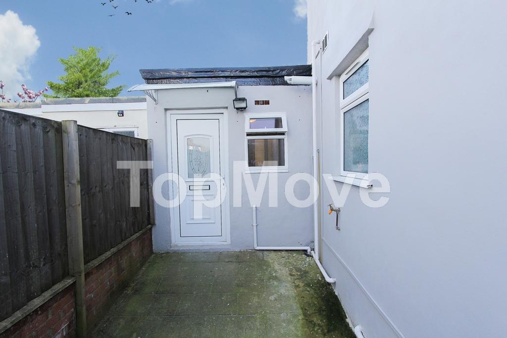 Overbury Crescent  New Addington  Croydon  CR0
