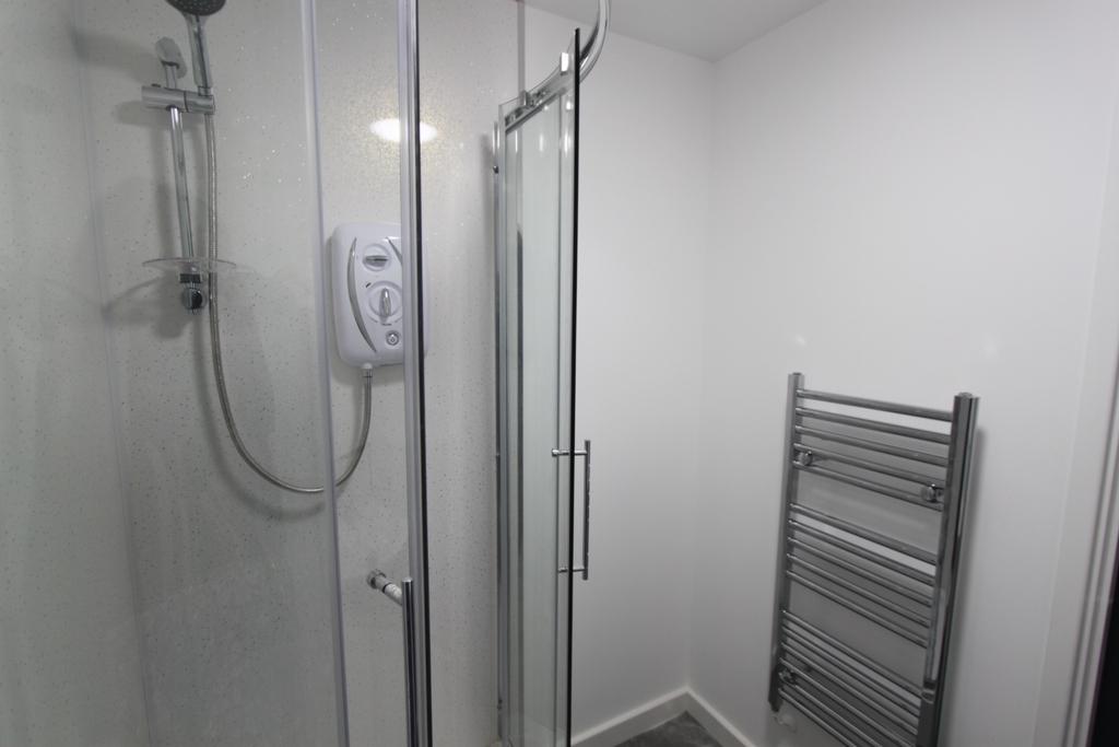 Standard shower room