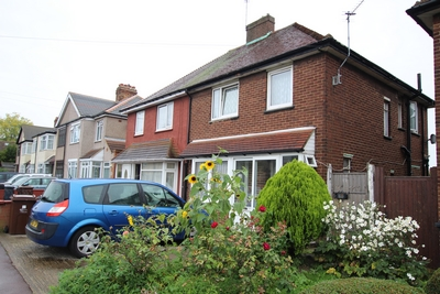 Photo 10, Frizlands Lane, Dagenham, RM10