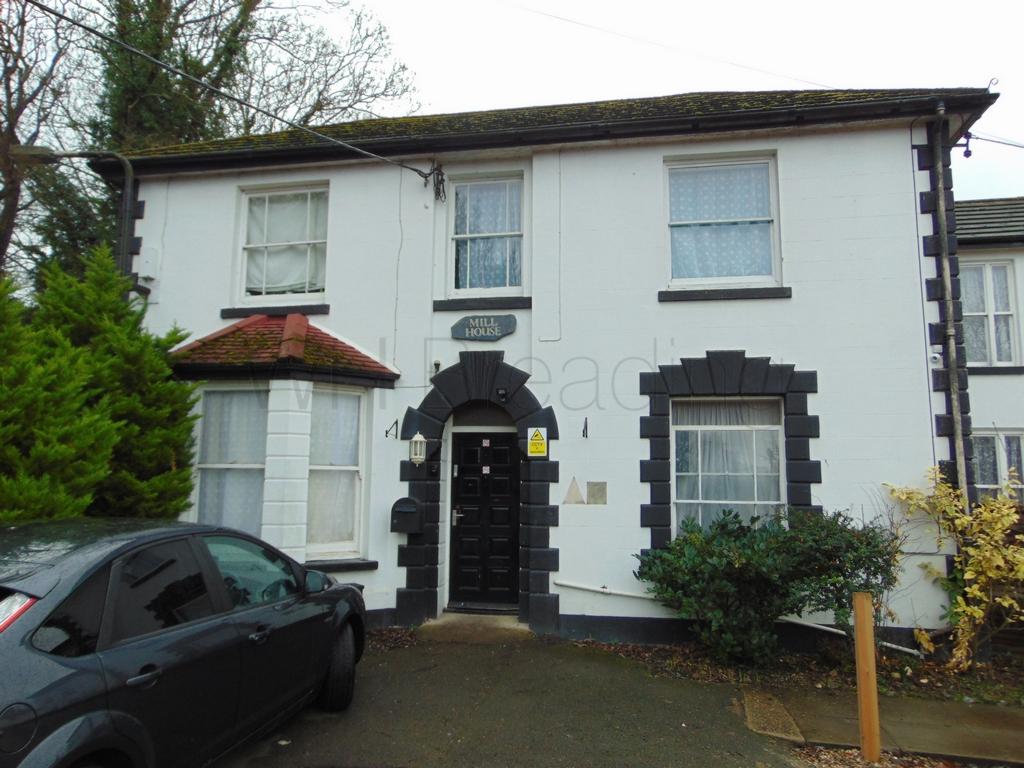 Salters Lane  Faversham  ME13